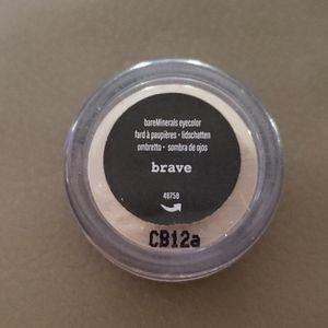 bareMinerals eyeshadow in brave